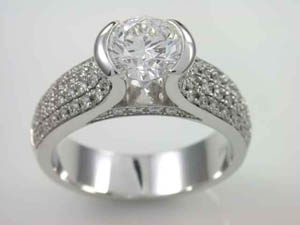 Ladies 18ct WG Diamond Dress Ring TDW=1.68ct