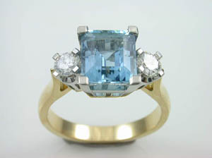 Ladies18ct hand made Aquamarine & Diamond Dress Ring