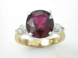 Ladies 18ct YG  Ruberlite Tourmaline & Diamond Dress Ring