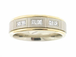 Mens 18ct Yellow and White Gold Diamond Set Ring.