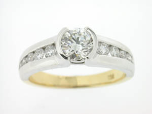 Ladies 18ct Two Tone Diamond Ring.