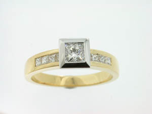 Ladies 18ct Yellow and White Gold Diamond Set Engagement Ring. P
