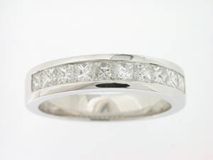 Ladies 18ct White Gold Princess Cut Channel Set Band.
