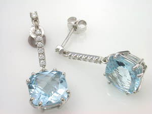 Ladies Blue Topaz Drop Earrings.
