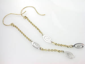 Ladies 9ct Two Tone Drop Earrings.