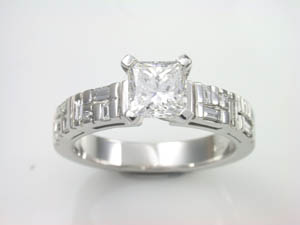 Ladies 18ct White Gold Diamond Ring.