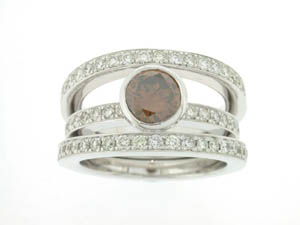 Ladies 18ct White Gold Cognac Diamond Ring.