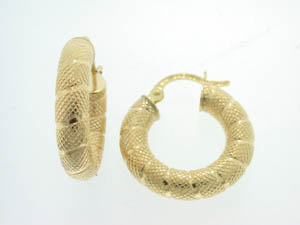 Ladies 9ct Yellow Gold Hammered Twist Hoop Earrings.
