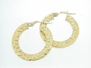 Ladies 18ct Yellow Gold Aztec Pattern Hoops.