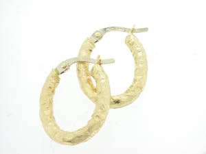 Ladies 18ct Yellow Gold Oval Bark Finish Hoop Earrings.