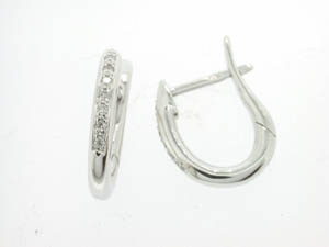 Ladies 18ct White Gold Oval Diamond Huggies.