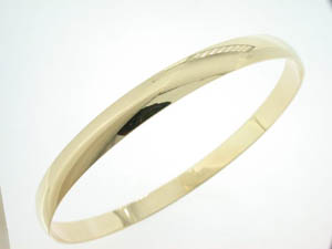 Ladies 9ct Yellow Gold Bangle.