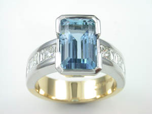 Ladies 18ct Two tone  Handmade 4.42ct Aquamarine and Diamond Dre