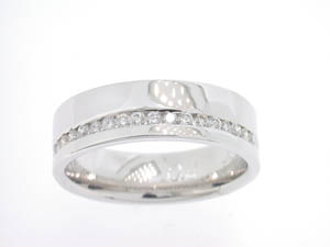 Ladies 18ct White Gold Diamiond Set Wide Ring.