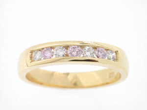 Ladies 18ct Yellow Gold White and Pink Diamond Band.