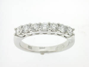 Ladies 18ct White Gold Diamond Set Wedding Ring.