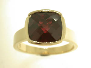 Ladies 9ct Yellow Gold Garnet Cushion Check Cut Bezel Set Ring.