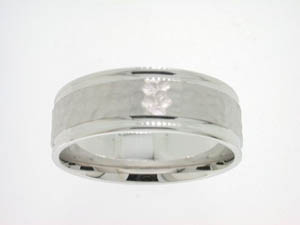 Gents 18ct White Gold Hammer Finish Wedding Band.