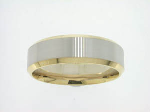 Gents 18ct Yellow and White Gold Brushed Finish Ring.