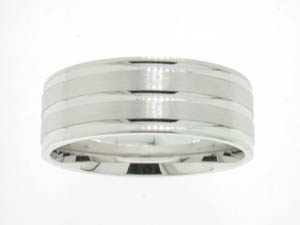 Gents 18ct White Gold Brushed and Polished Ring.
