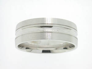 Gents 9ct White Gold Ring.