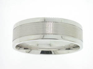 Gents 9ct White Gold Brushed Center Ring.