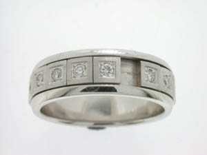 Gents 18ct White Gold Ring.