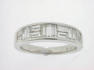 Ladies 18ct White Gold Baguette Diamond Ring.